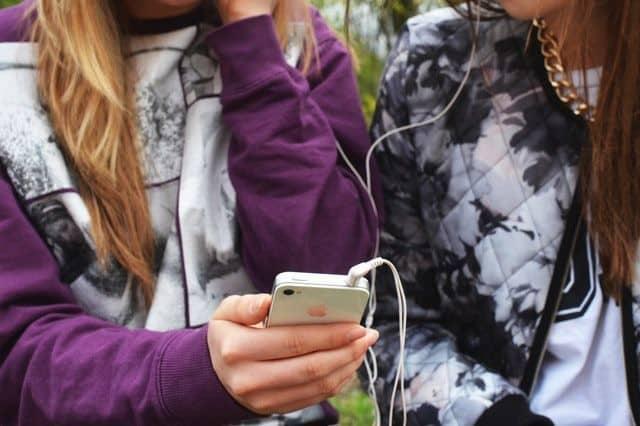 cómo proteger a tu hijo/a del ciberbullying