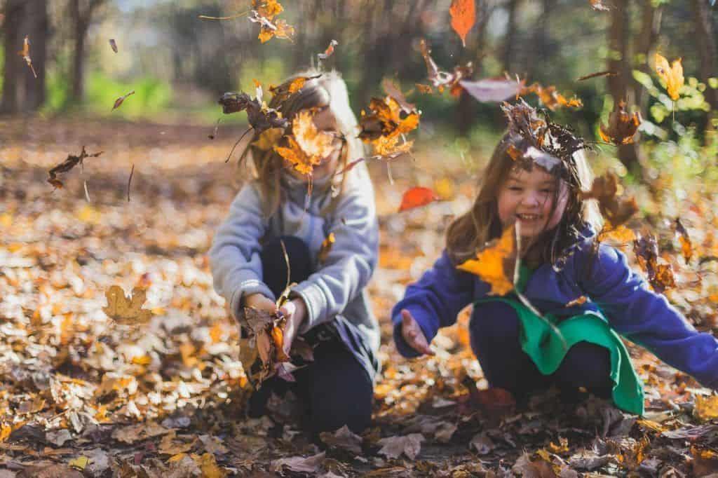 Cómo enseñar a tu hijo a ser feliz
